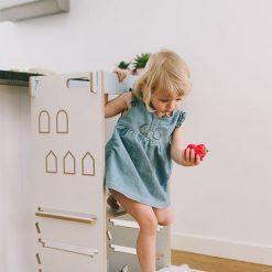 Tour d'observation Montessori blanche enfant